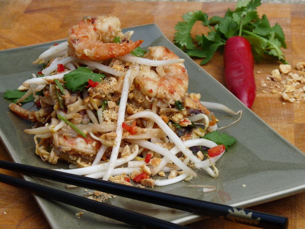 Classic Pad Thai | Everyday Fabulous Food
